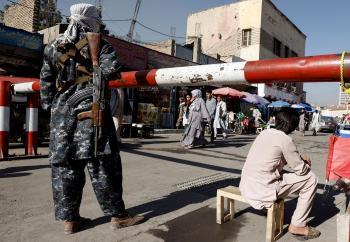 بايدن جلب الظلام والفوضى للأفغان وقوض مصداقية الغرب بشكل قاتل