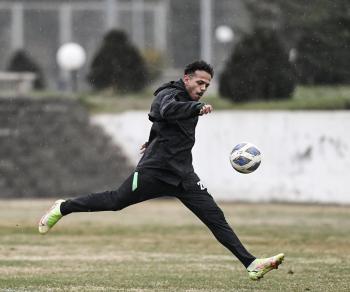 الأخضر الأولمبي يعاود تدريباته استعداداً للكويت